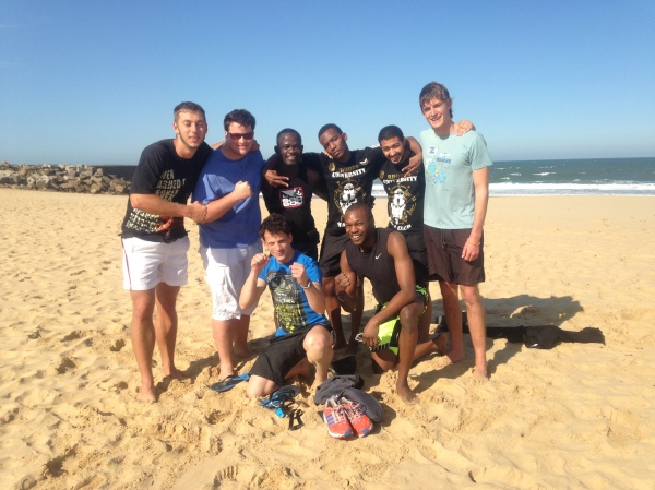MMA beach soccer team, Demarte Pena is the third from the left in the back row