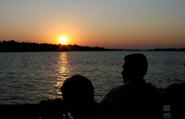 The sunset over the zambezi was a perfect way to end a lovely holiday in Zimbabwee