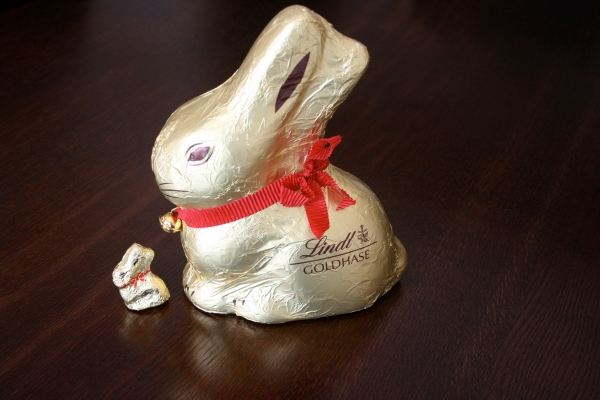 Why yes, that is half a kilo (0.5kg) of Lindt bunny with its baby. And they tasted wonderful of course. Omnomnom rabbit...